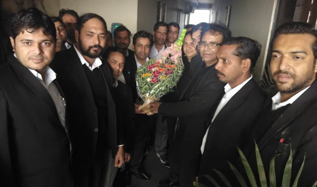 LN Parashar prompts youth lawyers of Faridabad to become judge