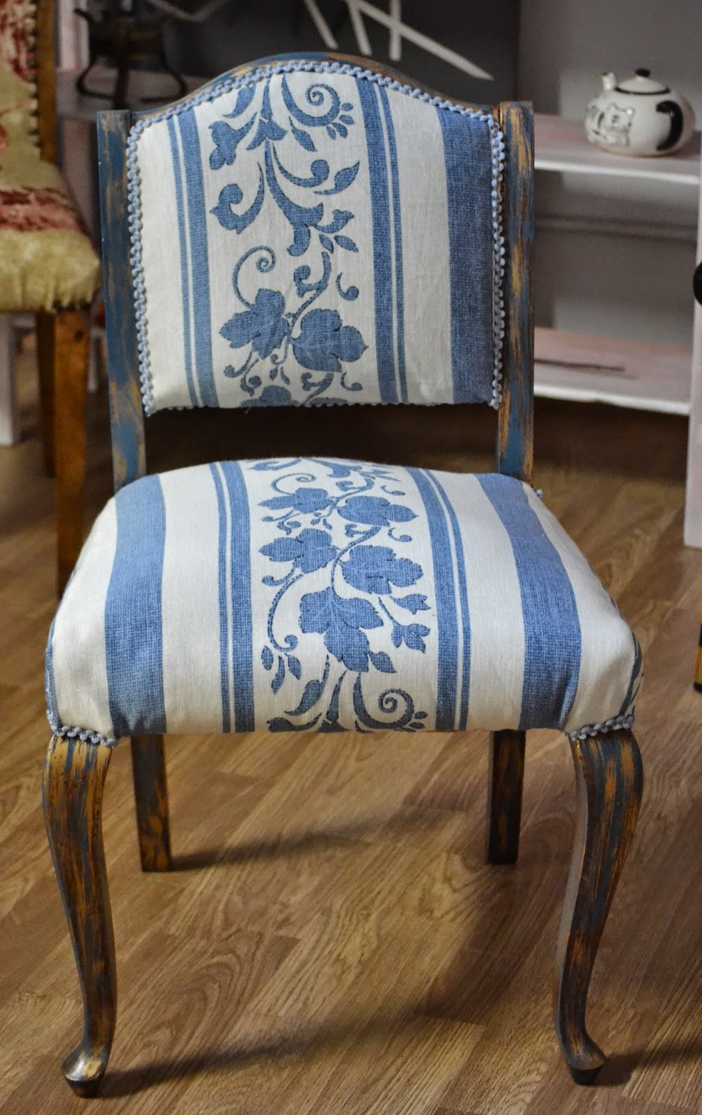taller de restauraci n lila silla descalzadora. Black Bedroom Furniture Sets. Home Design Ideas