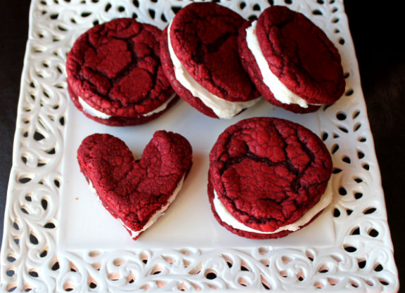 Red Velvet Sandwich Cookies with Cream Cheese Filling #recipe #redvelvet