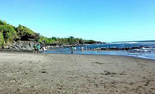 http://www.teluklove.com/2017/01/pesona-keindahan-wisata-pantai-kedungu.html