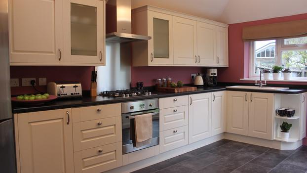 Cozinha reformada com toques retro casa e reforma for Pintado de salas pequenas