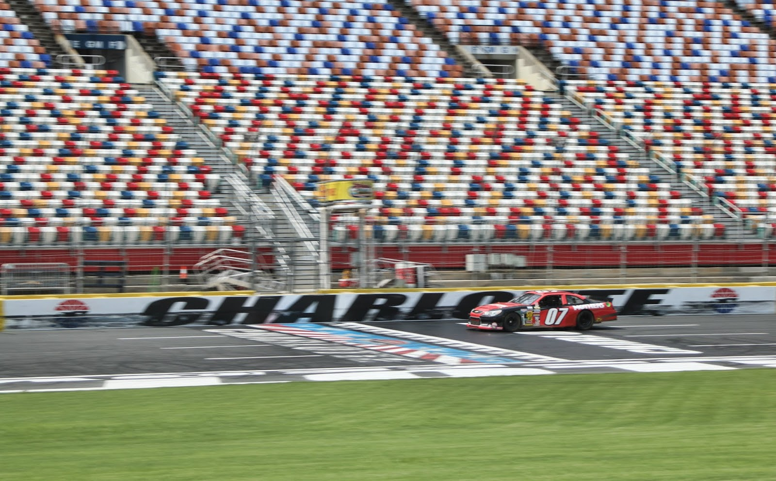 12 high performance driving schools experiences for Charlotte motor speedway driving school