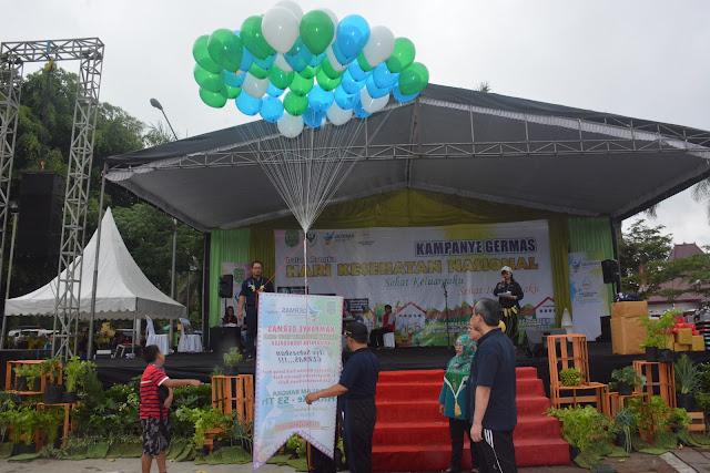 Trenggalek Peringati HKN ke-53 Dengan Senam Masal, Kampanye Germas dan Makan Gratis