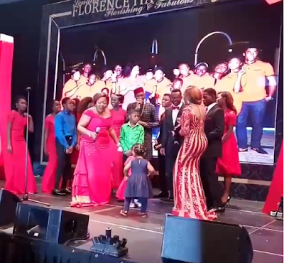 2face sings at Ita Giwa 7oth birthday pictures
