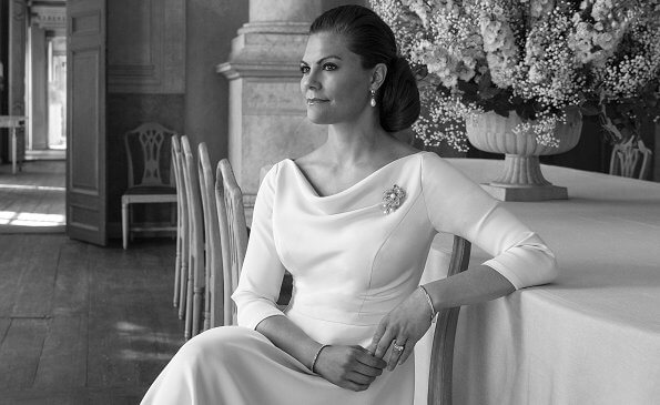 Crown Princess Victoria wore a new tulle ball dress by HM and the Baden Fringe tiara and diamond Epaulette earrings. Roger Vivier