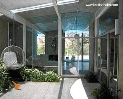 Arquitectura de casas extensa casa residencial moderna - Diseno patio interior ...