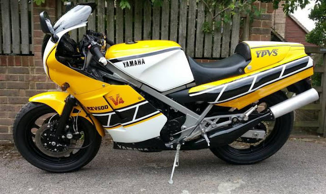 Yamaha RD500LC Front look