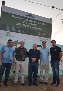 Reitor visita obras da sede do Campus Soledade