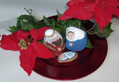 painted rocks, nativity scene figures, unique nativity sets, Cindy Thomas