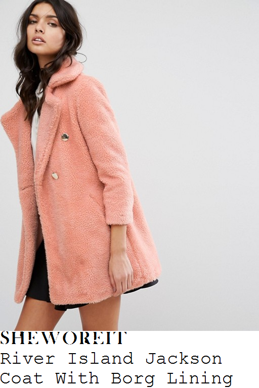 lucy-watson-river-island-jackson-peach-pink-and-gold-long-sleeve-double-breasted-oversized-textured-borg-teddy-bear-coat