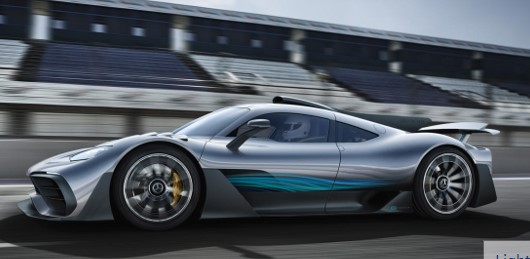 The Mercedes-AMG ONE : Formula 1 in The Road