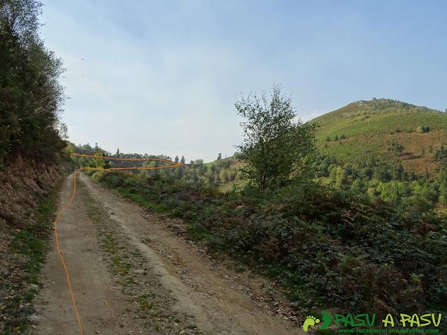 Ruta Pomar de las Montañas: Llegando al Pozo de las Montañas