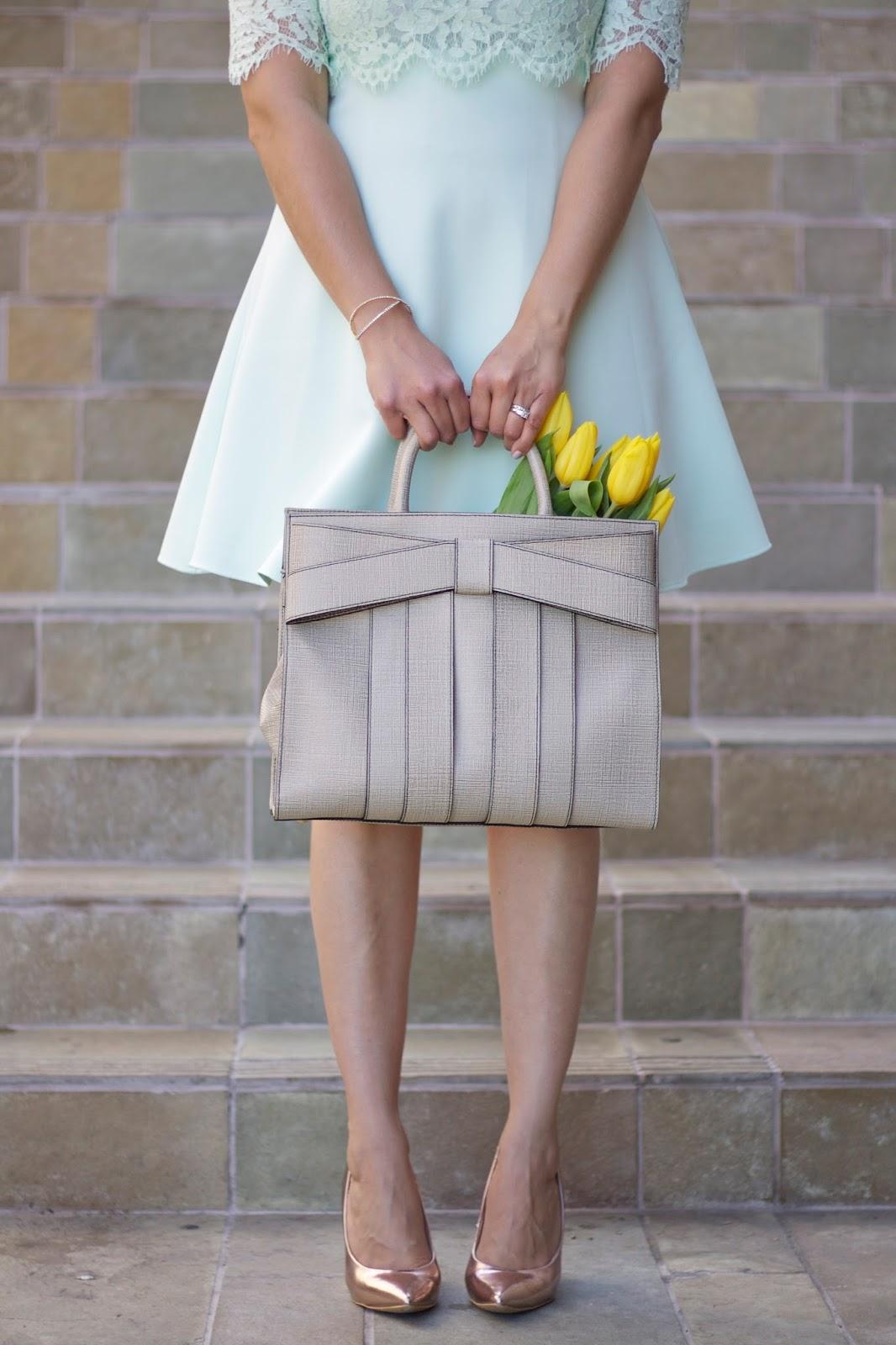 Pinterest worthy picture, bow handbag, Pretty pictures, elegant attire