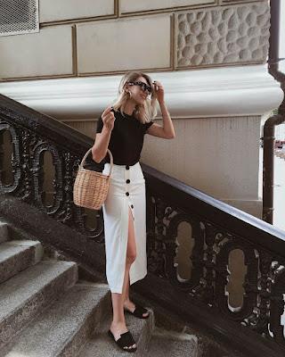 outfit para el trabajo con falda midi blanca con botones