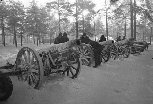 20 January 1940 worldwartwo.filminspector.com Finnish howitzers