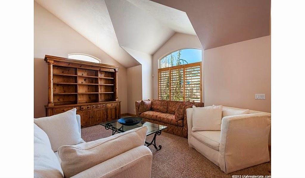Marvelous Christina Williams Pop Of Color Wayfair Giveaway Short Links Chair Design For Home Short Linksinfo