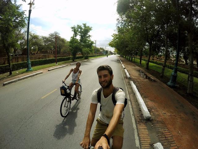 alquilar bici ayutthaya