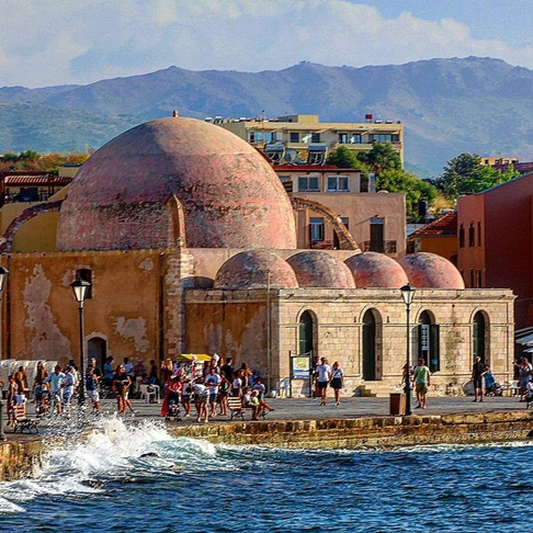 chania muslim Chania (greek: χανιά, , venetian: canea, ottoman turkish: خانيه hanya) is the second largest city of crete and the capital of the chania regional unit it lies along the north coast of the island, about 70 km (43 mi) west of rethymno and 145 km (90 mi) west of heraklion.