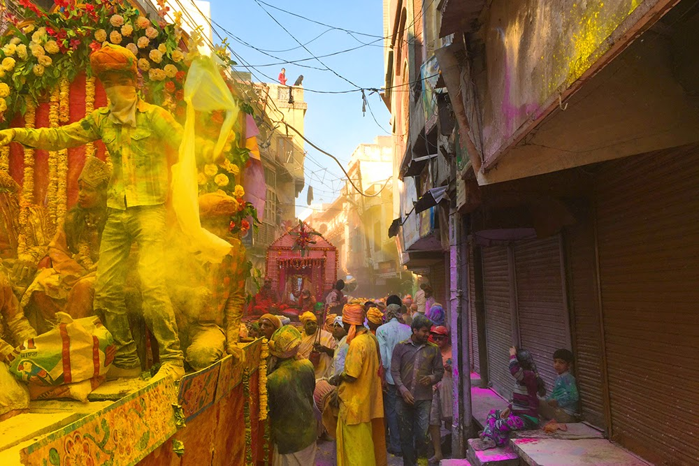 Mathura Holi celebrations procession 2016