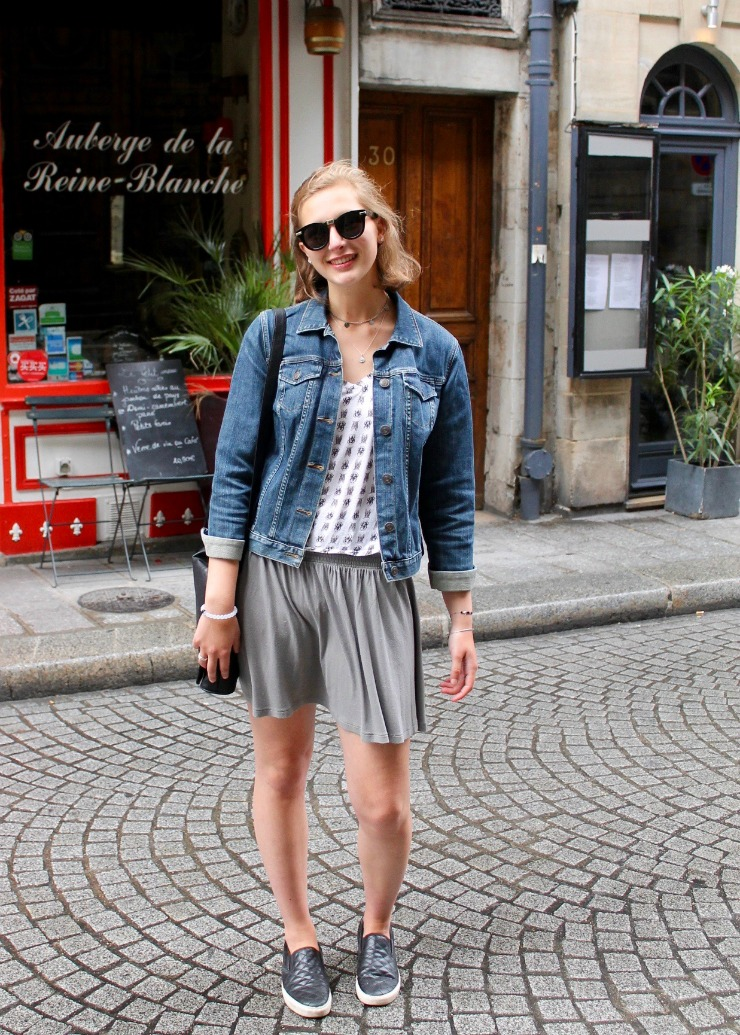 Simple summer outfit for city strolling around Paris