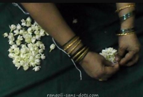 round-floral-arrangement-1b.jpg