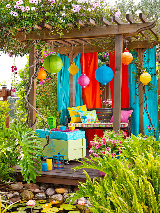 Mom's Turf: A Lovely Colorful Backyard