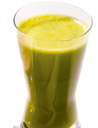 jugo verde para desintoxicar y adelgazar la cara