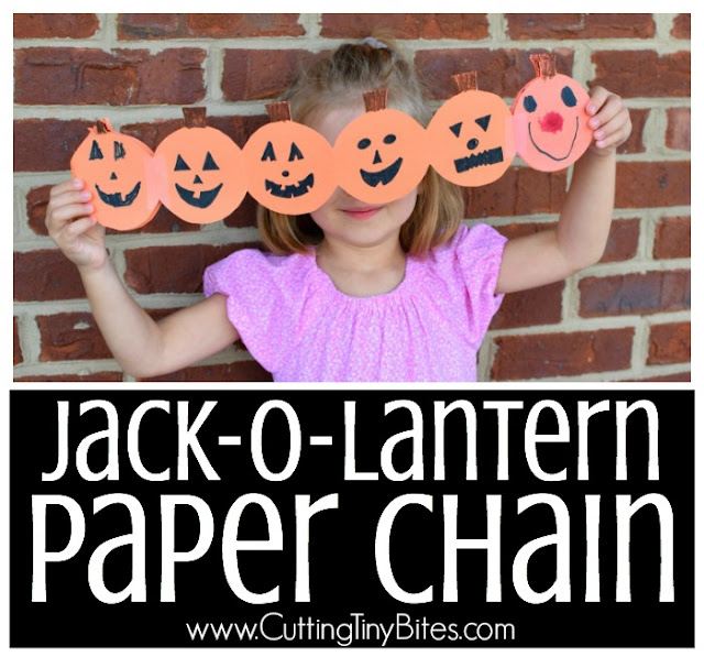 Halloween Jack-O-Lantern Paper Chain Craft. Simple paper craft garland for preschoolers, kindergarten, or elementary kids. Make a string of pumpkins!