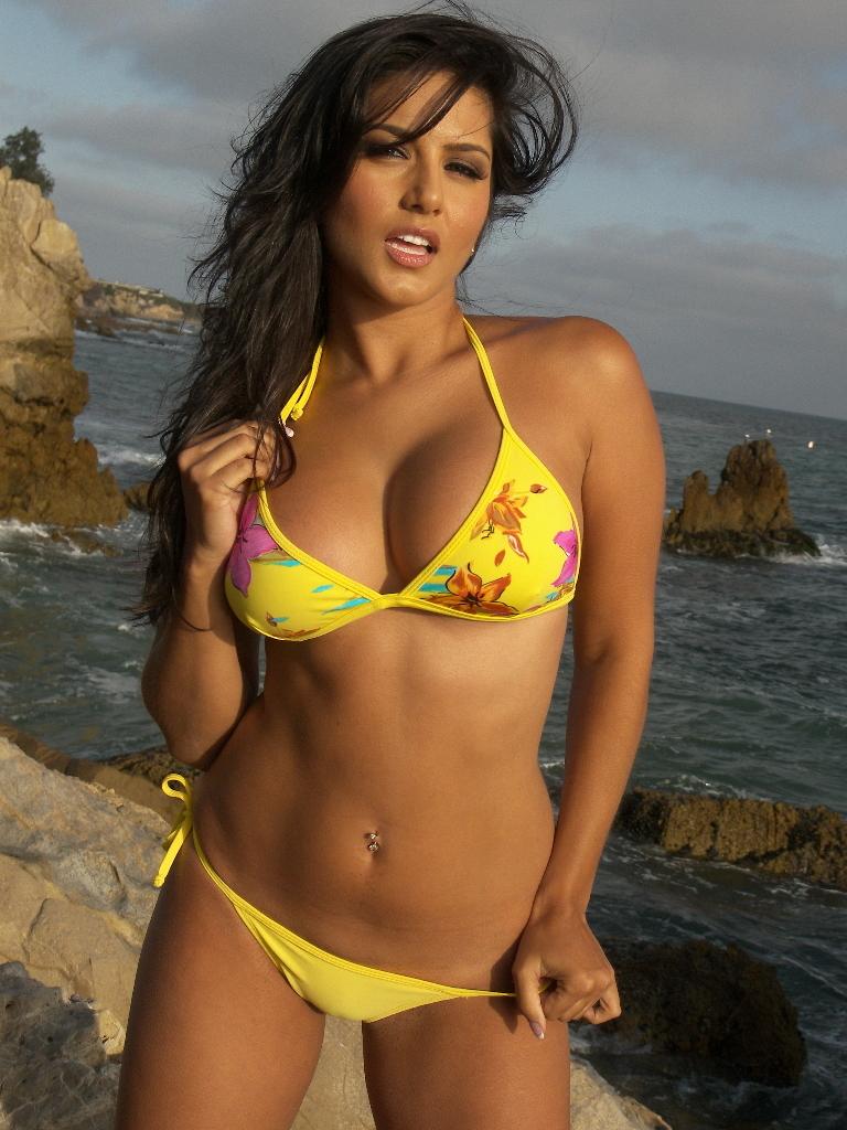 Sunny Leone in Yellow Bikini Stunning Pics