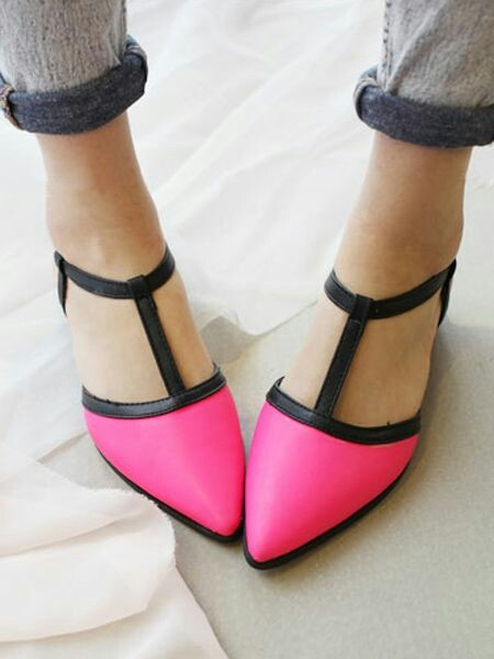 Contrast flat shoes