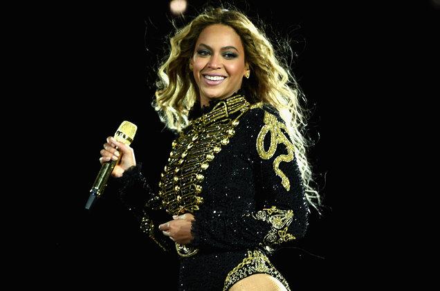 "Beyoncé pospone show del ""Formation Tour"" por ordenes médicas."
