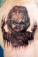 tatuaje para halloween chucky en blanco y negro