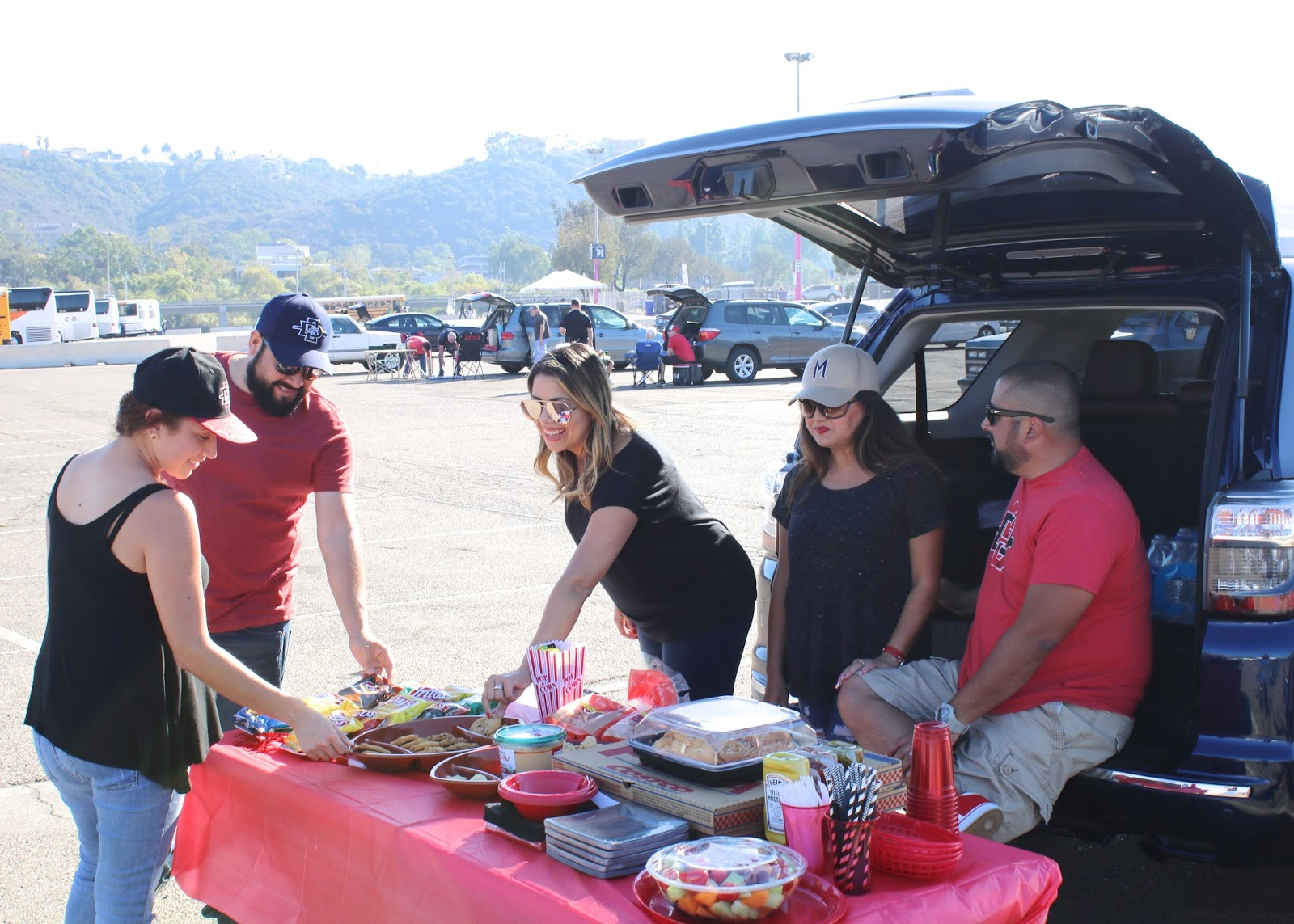How to throw a tailgate party, tailgating foods, san diego lifestyle blogger