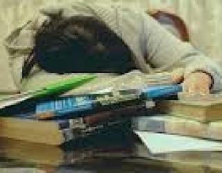 Dik18: Cansada De Estudar