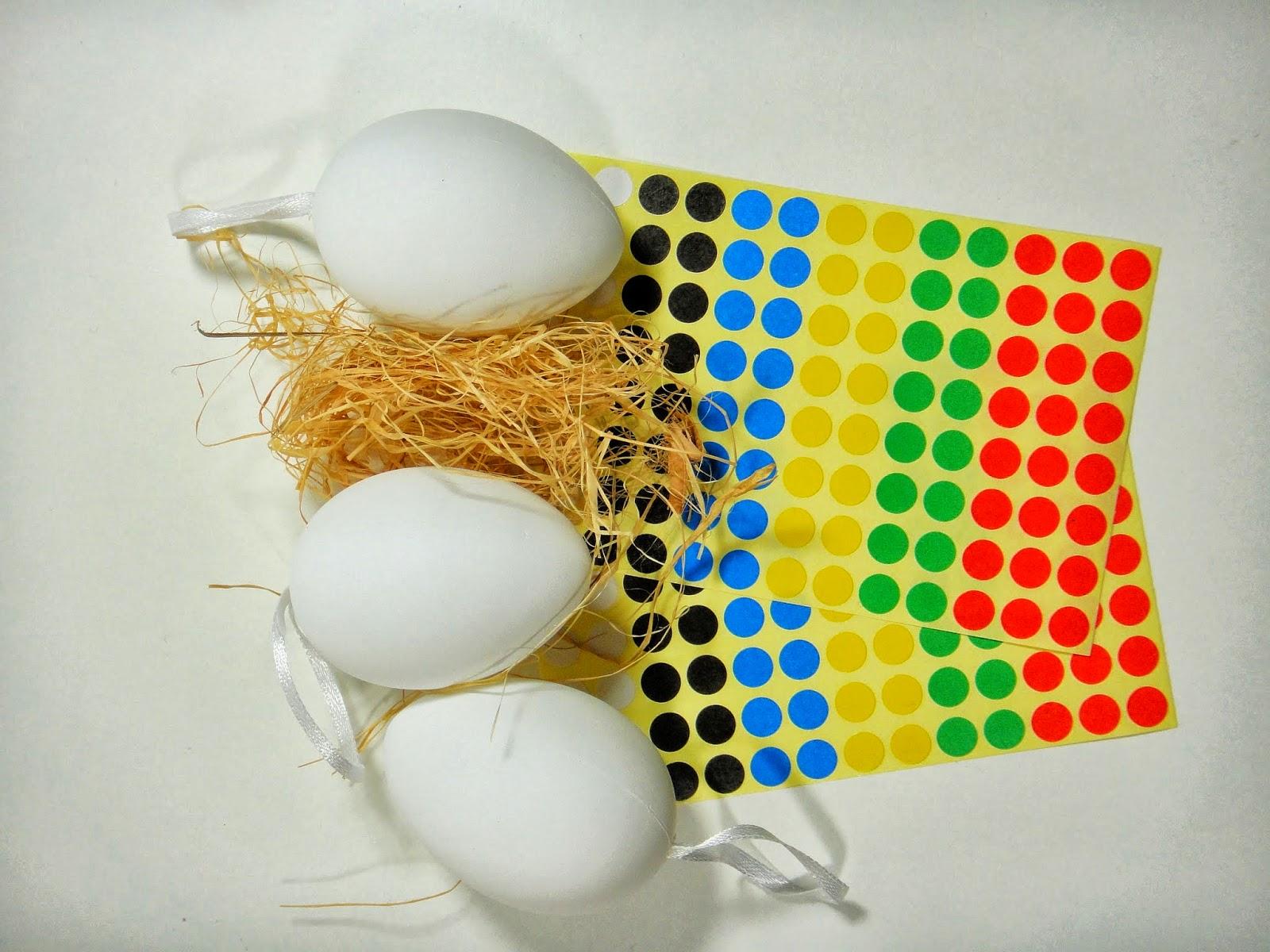 Klebepunkte Werden Jetzt Farblich Sortiert In Regelmäßigen Abständen Auf Das Ei Geklebt Und Fertig Ist Osterei Macht Den Kleinen Spaß