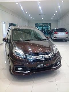 Pembelian Mobl Honda Bisa secara kredit, dari bank rekana yang terpercaya, tersedia kredit Dp ringan untuk anda yang ingin segera memiliki mobil Honda
