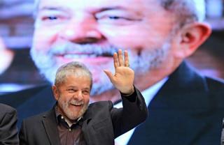 Lula lidera com 30,5% dos votos em eventual disputa em 2018, diz pesquisa CNT