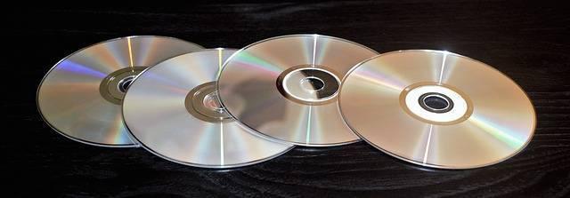 Kerajinan dari CD Bekas