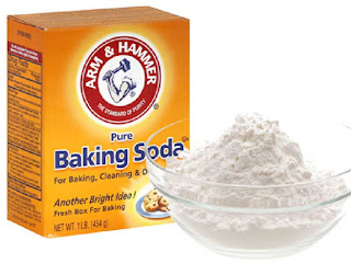 Baking soda atau soda kue dapat memutihkan gigi