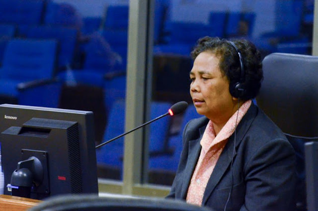 Preap Sokhoeum gives her testimony before the Extraordinary Chambers in the Courts of Cambodia yesterday during Case 002/02. ECCC