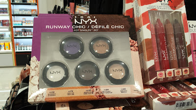 NYX Runway Chic Eyeshadow set www.modenmakeup.com