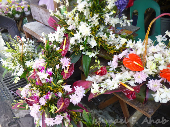 Funeral flowers for sale in Dangwa