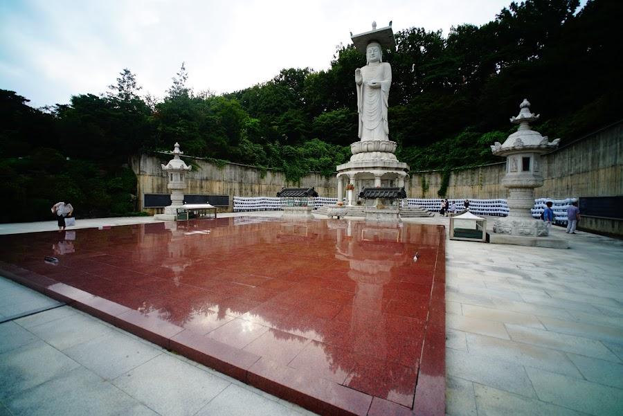 Bongeunsa buddhist temple in Gangnam, Seoul