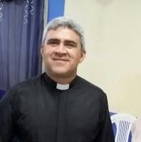 Padre Fábio Abreu da Paróquia de São Miguel Arcanjo em Tavares, concede entrevista a PasconTV de Santa Luzia/PB