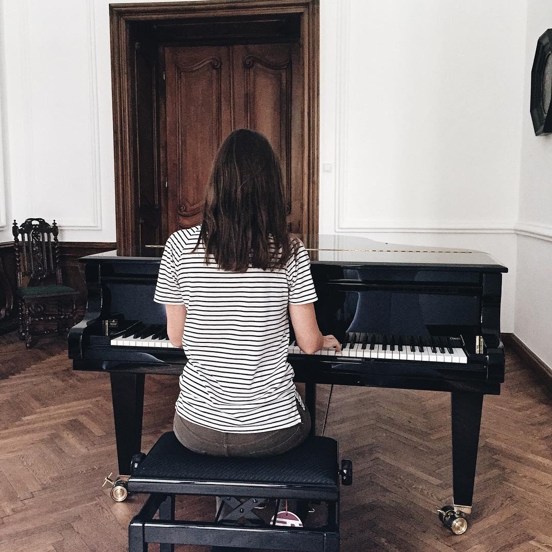 fortepian, samouk, pianino, gra na pianinie, blog lifestyle