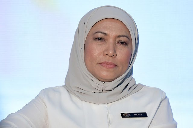 Nancy Shukri Mangsa Berita Palsu #KekalNajib #TolakPakatan