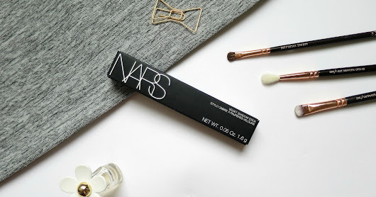 NARS Velvet Shadow Stick in Hollywoodland