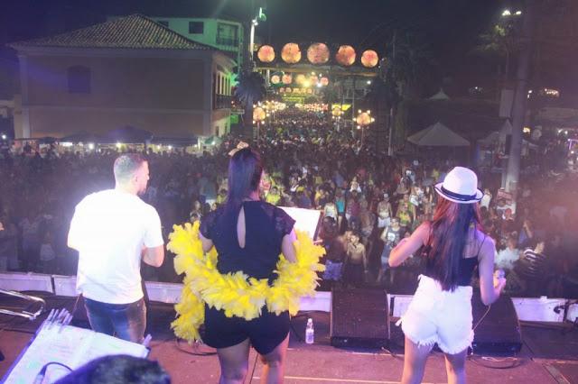 http://vnoticia.com.br/noticia/3538-segundo-dia-de-carnaval-em-sjb-arrasta-multidao-para-a-avenida-do-samba