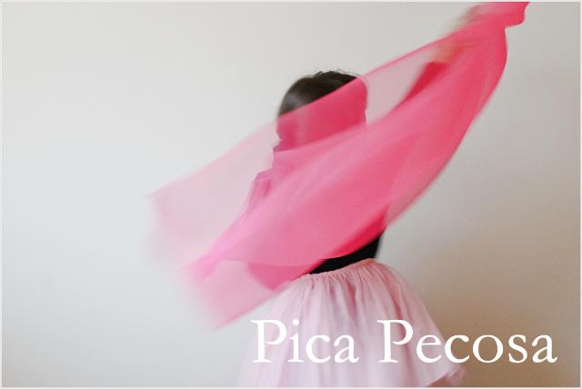 tutorial-como-hacer-disfraz-diy-reciclado-superheroe-camiseta-leggin-gomaeva-cortina