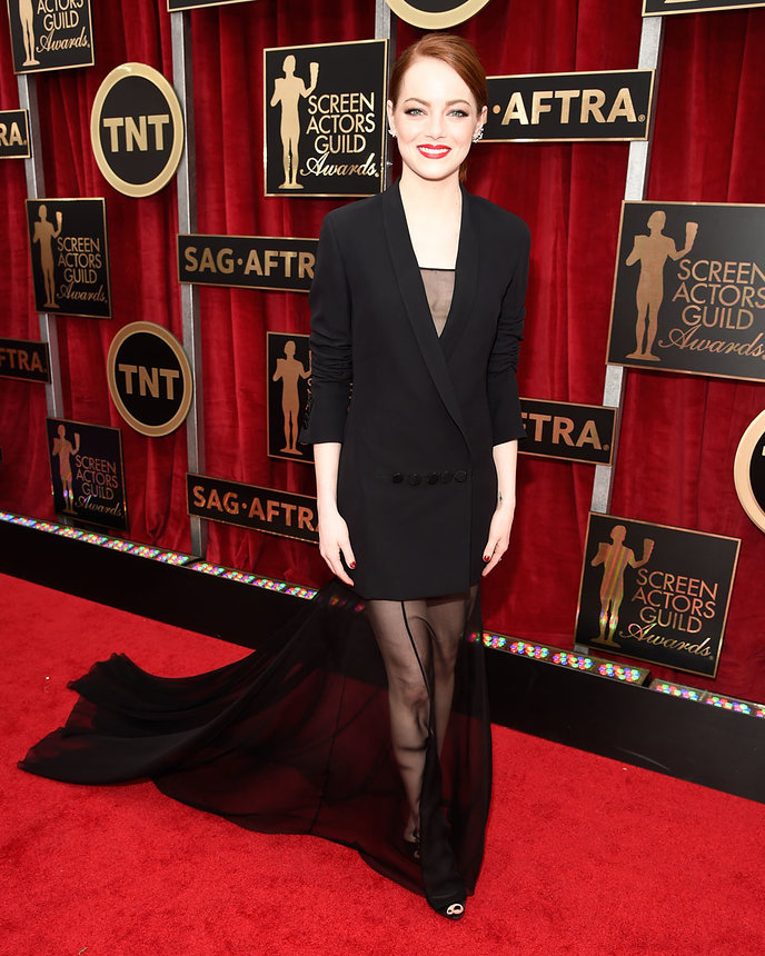 Emma Stone in Dior Couture, SAG Awards 2015, Best dressed, Trending, Red carpet divas, Fashion, Fashion divas, Style statement, Award shows, Red Carpet fashion, Emma Stone, Red alice rao, redalicerao, Fashion blog, Leading fashion blog, Pakistan